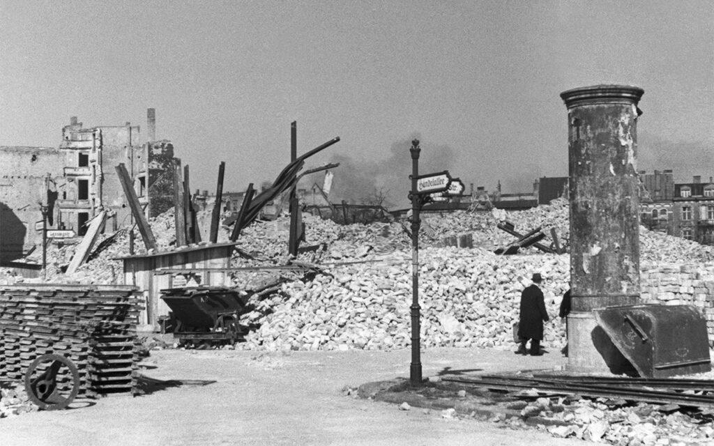 برلین بعد از بمب باران