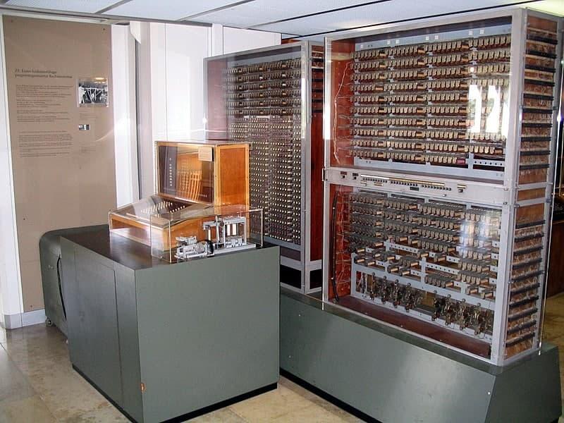 نمونه اولین کامپیوتر
